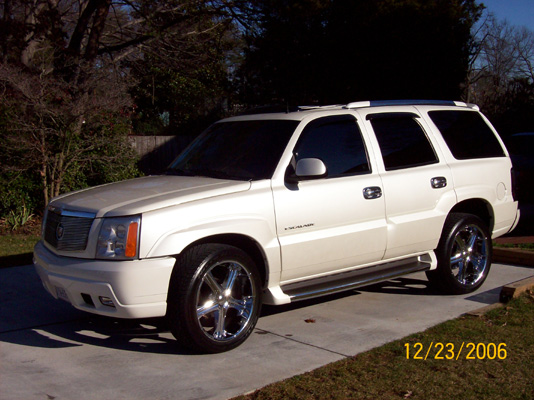 Escalade - Keep your car or truck looking its best with professional car wash services, auto detailing, and waxing from our Alexandria, Virginia, company.
